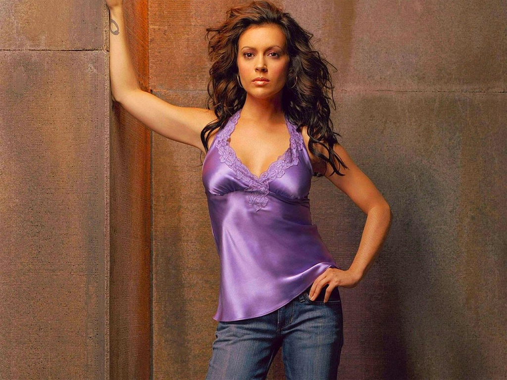 Alyssa Milano download wallpaper
